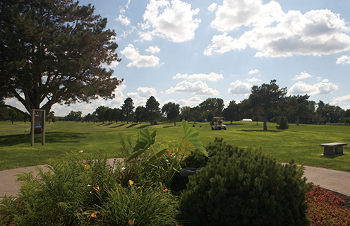 Image of the country club in St. Paul, Nebraska.